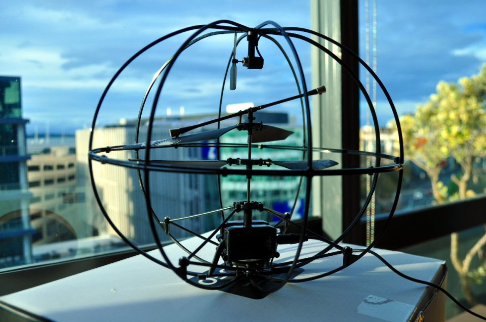 Puzzlebox Brain-Controlled Helicopter with Atmel AVR