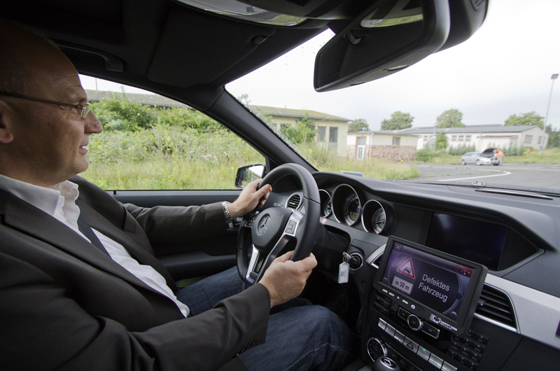 Car-to-X_2_Daimler