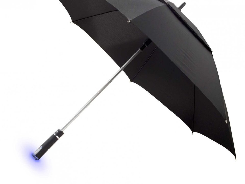 the-ambient-umbrella-has-a-handle-that-will-glow-if-snow-or-rain-is-in-the-forecast-reminding-you-to-grab-it-on-your-way-out-the-door
