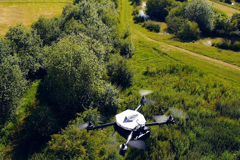 bizzby-sky-drone-designboom01