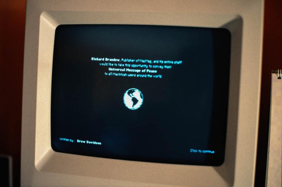 1988-03_Universal_Peace_virus_on_my_Mac