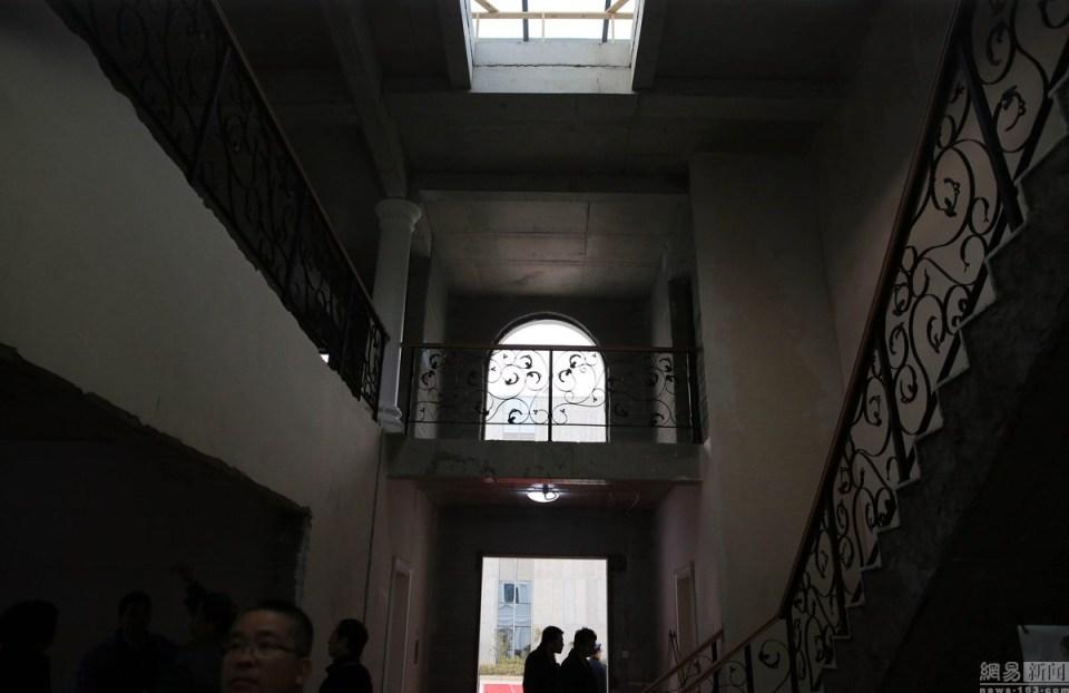 china-3d-printed-mansion-and-tower-block-photo-3