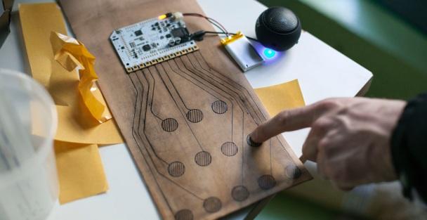 details-bare-conductive_1000