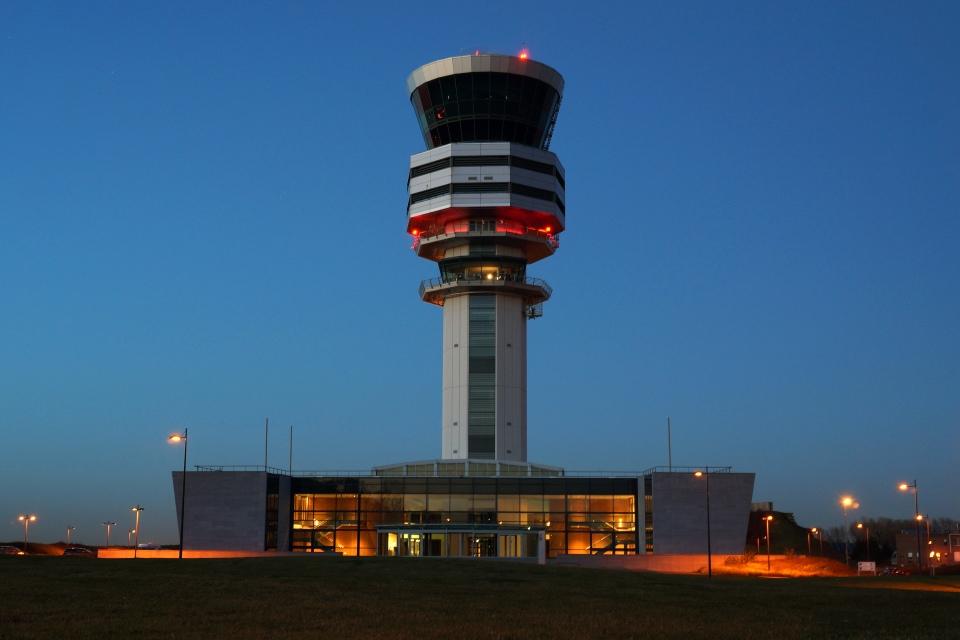 Verkeerstoren_Brussels_Airport-1