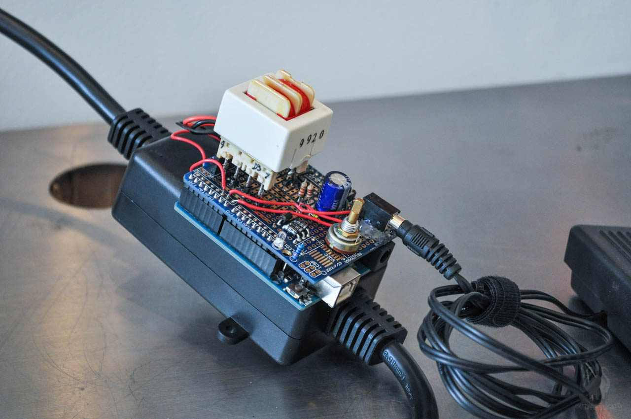 Turning an old microwave into a spot welder with Arduino