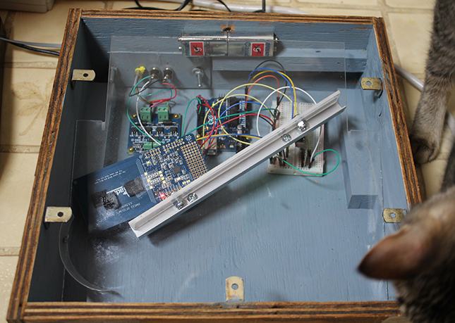 arduino-cat-feeder-lid-off