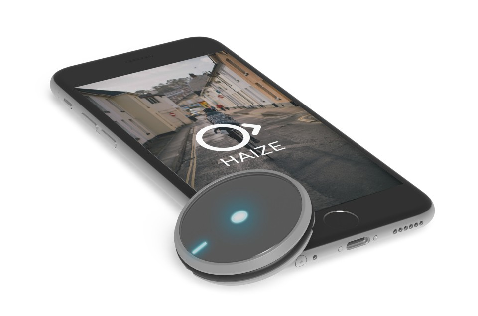 Render-of-PhoneLaying-And-Haise2