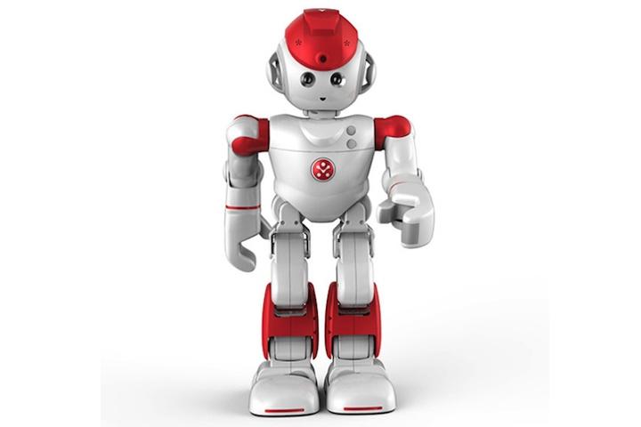 alpha-2-robot-720x480