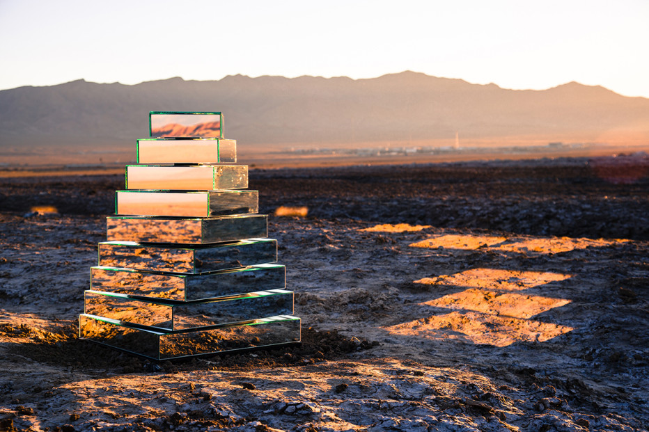 Babel-Tower-_-Installation-_-Shirin-Abedinirad-_-GugoTorelli-6-932x621.jpg